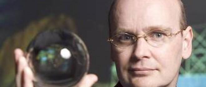 A Singularitarian Utopia Or A New Dark Age? With Ian Pearson